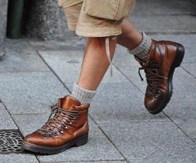носки с высокими ботинками