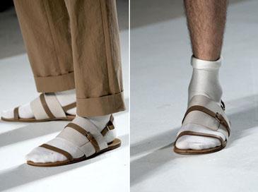 Носки с сандалиями - это печально